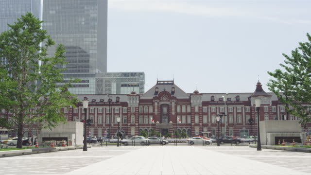 tokyo station marunouchi building in japan - marunouchi stock videos & royalty-free footage
