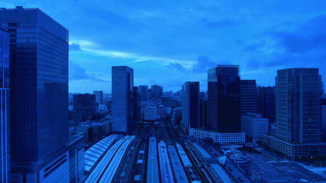 Tokyo Station: Night to day time lapse
