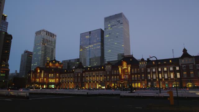 tokyo station - 列車の車両点の映像素材/bロール