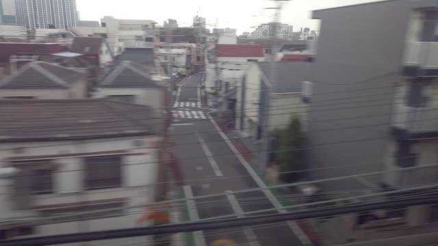 4k 東京郊外ビュー 移動列車から鉄道へ - 通過する点の映像素材/bロール