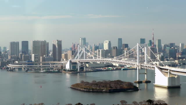 Tokyo Tower und Rainbowbridge Ansicht von odaiba