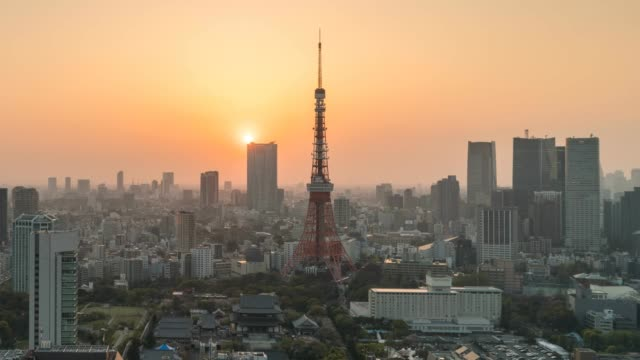 tokyo tower at sunset - tokyo midtown stock videos and b-roll footage