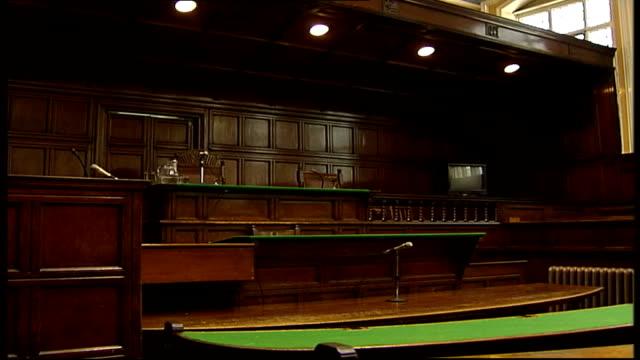 vídeos de stock e filmes b-roll de tom and gwen geeling criticise lenient sentencing file / date unknown interior of empty courtroom tilt down to judge's seat side judge's seat pan to... - sala de tribunal