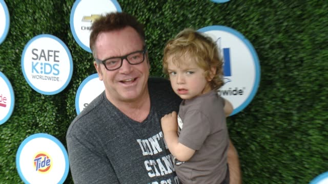 tom arnold at safe kids day at smashbox studios on april 24, 2016 in culver city, california. - tom arnold stock videos & royalty-free footage