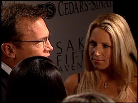 tom arnold at the cedars-sinai courage awards gala at century plaza in century city, california on march 27, 2001. - センチュリープラザ点の映像素材/bロール