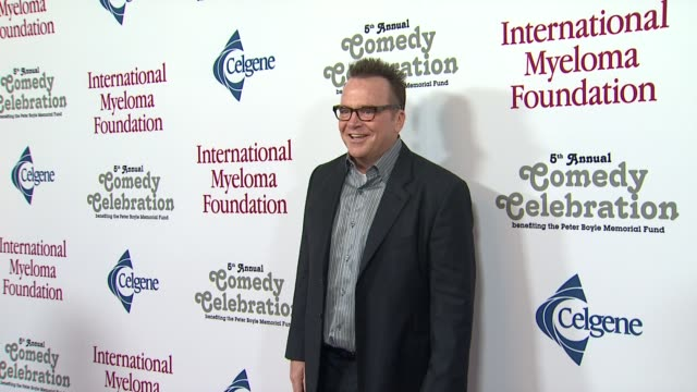 tom arnold at the international myeloma foundation's 5th annual comedy celebration benefiting the peter boyle memorial fund at los angeles ca. - tom arnold stock videos & royalty-free footage