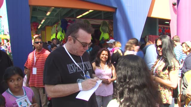 tom arnold at the kevin & steffiana james host a make-a-wish event at santa monica ca. - tom arnold stock videos & royalty-free footage