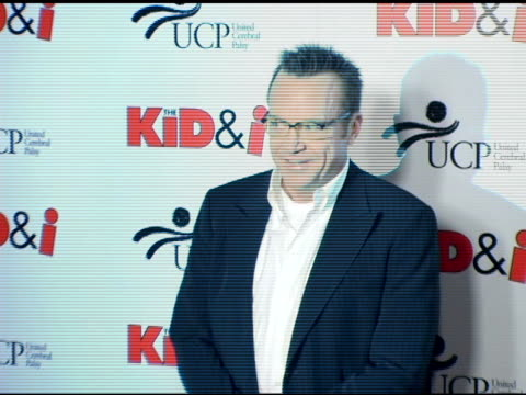 tom arnold at the 'the kid and i' los angeles premiere at grauman's chinese theatre in hollywood, california on november 28, 2005. - tom arnold stock videos & royalty-free footage