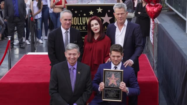 tom corson, leron gubler, priscilla presley, michael buble, david foster at michael bublé star on the hollywood walk of fame in los angeles, ca... - プリシラ プレスリー点の映像素材/bロール