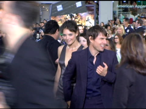tom cruise and katie holmes at the batman begins premiere at grauman's chinese theatre in hollywood california on june 6 2005 - tom cruise stock videos & royalty-free footage