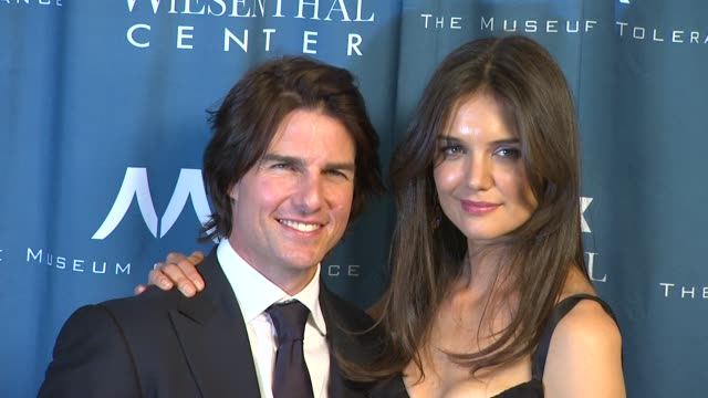 tom cruise and katie holmes at the wiesenthal center to honor tom cruise at 2011 national tribute dinner at beverly hills ca - tom cruise stock videos & royalty-free footage