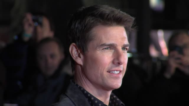 tom cruise at 'jack reacher' world premiere at odeon leicester square on december 10 2012 in london england - tom cruise stock videos & royalty-free footage