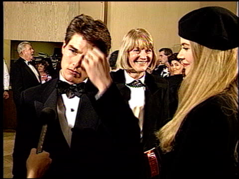 tom cruise at the 1993 golden globe awards at the beverly hilton in beverly hills california on january 23 1993 - トム・クルーズ点の映像素材/bロール