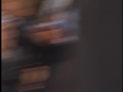 vídeos y material grabado en eventos de stock de tom cruise at the magnolia premiere at westwood in westwood ca - westwood