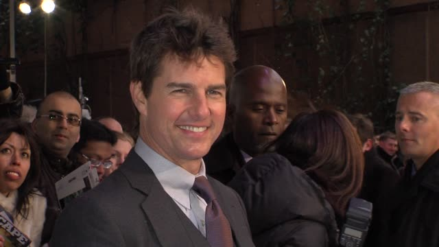 tom cruise at the oblivion uk premiere on the 4th april 2013 in london - tom cruise video stock e b–roll