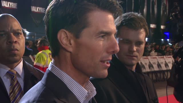 stockvideo's en b-roll-footage met tom cruise at the uk valkyrie uk premiere at london - tom cruise