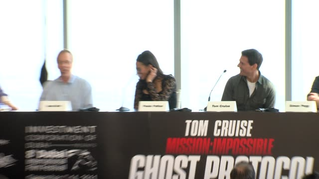tom cruise on katie holmes and suri them visiting the set stunts and more at the mission impossible ghost protocol press conference 8th dubai... - tom cruise bildbanksvideor och videomaterial från bakom kulisserna