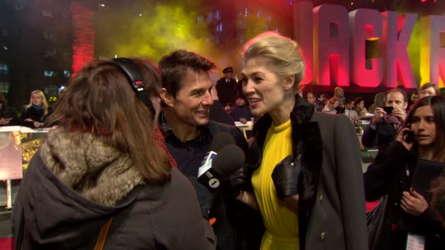 tom cruise rosamund pike at 'jack reacher' world premiere at odeon leicester square on december 10 2012 in london england - rosamund pike stock videos & royalty-free footage