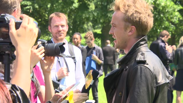broll tom felton at burberry prorsum menswear red carpet and show at kensington gardens on june 17 2014 in london england - tom felton stock videos & royalty-free footage