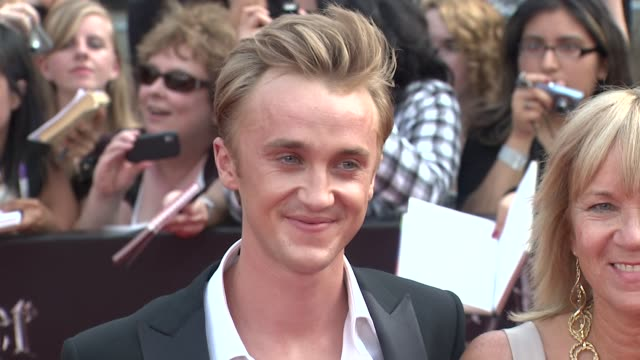 tom felton at the 'harry potter and the deathly hallows part 2' new york premiere arrivals at new york ny - tom felton stock videos & royalty-free footage
