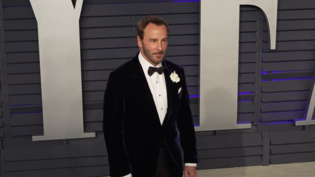 vídeos de stock, filmes e b-roll de tom ford at 2019 vanity fair oscar party hosted by radhika jones at wallis annenberg center for the performing arts on february 24 2019 in beverly... - tom ford