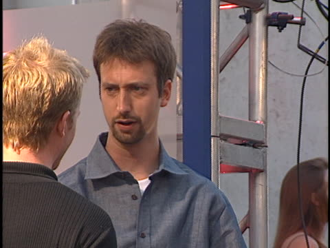 tom green at the mtv movie awards at sony studios. - トム グリーン点の映像素材/bロール