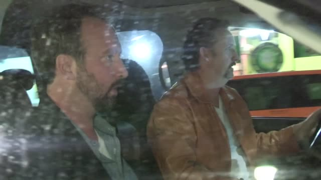 tom green & harland williams depart av club in hollywood 06/18/12 tom green & harland williams depart av club in hol on june 18, 2012 in los angeles,... - トム グリーン点の映像素材/bロール