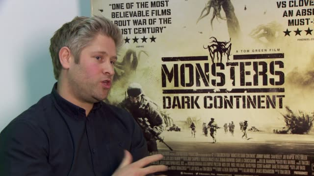 tom green on low budget film making, low budget challenges, creating dark themes at 'misfits and monsters: dark continent' on april 27, 2015 in... - トム グリーン点の映像素材/bロール