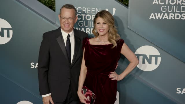 stockvideo's en b-roll-footage met tom hanks and rita wilson at the 26th annual screen actors guild awards arrivals at the shrine auditorium on january 19 2020 in los angeles california - screen actors guild