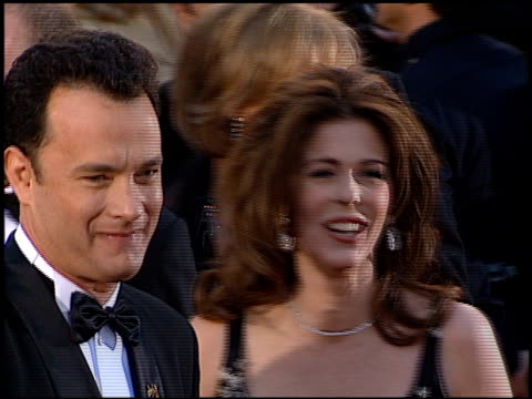tom hanks at the 1996 academy awards arrivals at the shrine auditorium in los angeles, california on march 25, 1996. - 第68回アカデミー賞点の映像素材/bロール