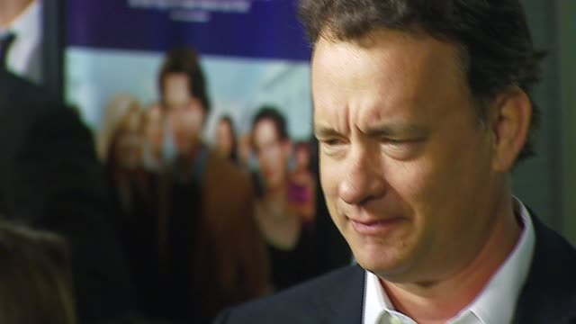 tom hanks at the 'starter for 10' los angeles premiere at arclight cinemas in hollywood california on february 6 2007 - arclight cinemas hollywood 個影片檔及 b 捲影像