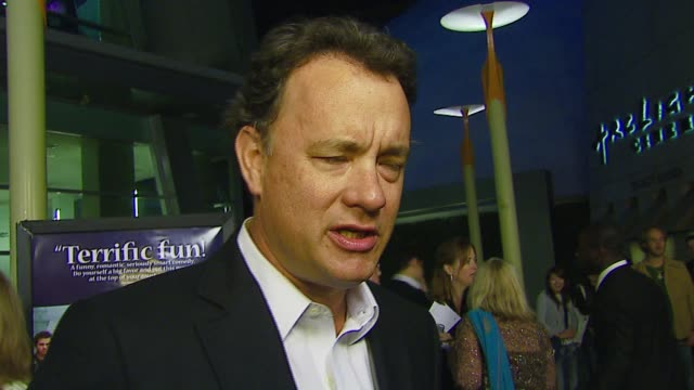 tom hanks on the film, game shows, his duties as a producer at the 'starter for 10' los angeles premiere at arclight cinemas in hollywood, california... - gioco televisivo video stock e b–roll