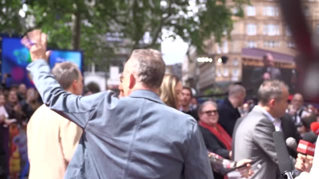 vídeos de stock e filmes b-roll de tom hanks was among the famous faces at the premiere of toy story 4 in london's leicester square on sunday, june 16. - tom hanks