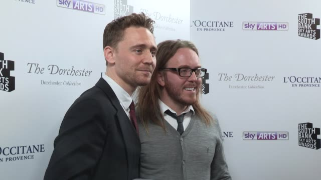 tom hiddleston tim minchin at south bank awards at the dorchester on march 12 2013 in london england - david minchin stock videos & royalty-free footage