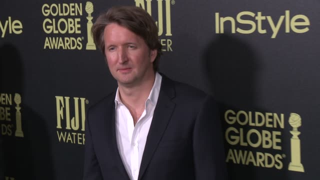 vídeos de stock e filmes b-roll de tom hooper at the hollywood foreign press association and instyle celebrate the 2016 golden globe award season at ysabel on november 17 2015 in west... - prémio globo de ouro