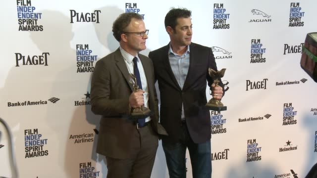 tom mccarthy and josh singer at the 2016 film independent spirit awards - press room on february 27, 2016 in santa monica, california. - monica singer stock videos & royalty-free footage