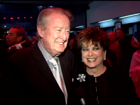 vídeos de stock, filmes e b-roll de tom poston and suzanne pleschette on being excited about the evening on having a long standing relationship to billy crystal their first memories of... - billy crystal