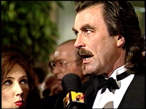 tom selleck at the 1993 golden globe awards at the beverly hilton in beverly hills california on january 23 1993 - golden globe awards stock-videos und b-roll-filmmaterial