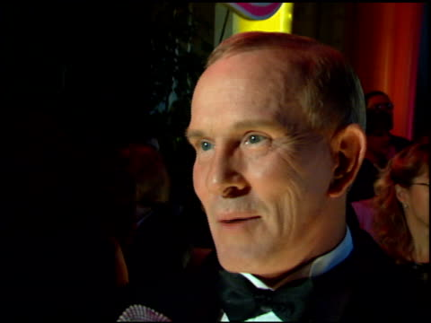 tom smothers at the comedy awards 95 at the shrine auditorium in los angeles california on february 26 1995 - ジャーマンコメディアワード点の映像素材/bロール