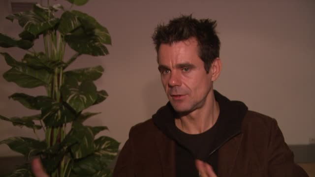 tom tykwer on how much control he had in the order of the film at the 59th berlin film festival deutschland '09 interviews at berlin - deutschland stock videos & royalty-free footage
