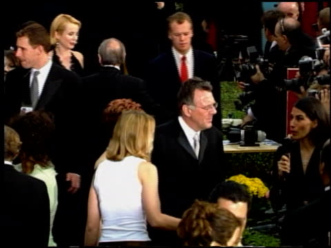 tom wilkinson at the 2002 academy awards at the kodak theatre in hollywood, california on march 24, 2002. - トム ウィルキンソン点の映像素材/bロール