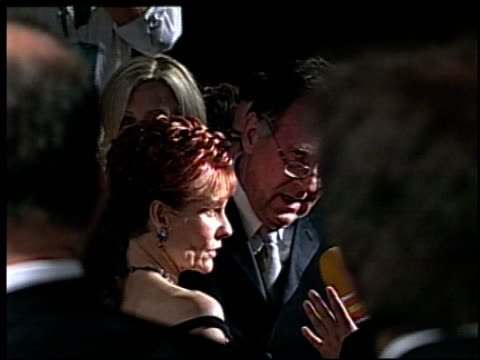 tom wilkinson at the 2002 academy awards vanity fair party at morton's in west hollywood, california on march 24, 2002. - トム ウィルキンソン点の映像素材/bロール