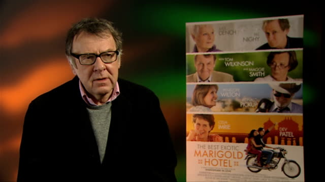 tom wilkinson on if he would take on the challenge of india at the best exotic marigold hotel interviews at soho hotel on february 28, 2012 in... - トム ウィルキンソン点の映像素材/bロール