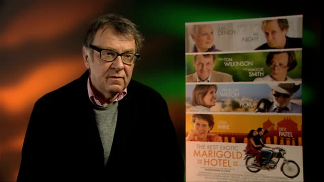 tom wilkinson on who would see the film at the best exotic marigold hotel interviews at soho hotel on february 28, 2012 in london, england. - トム ウィルキンソン点の映像素材/bロール
