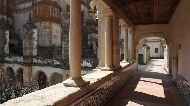 tomar, convent of the order of christ (convento de cristo), corridor above hosterly cloister - circa 12th century stock videos & royalty-free footage