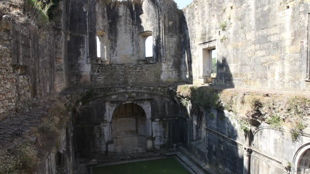 vídeos y material grabado en eventos de stock de tomar, convent of the order of christ (convento de cristo), old church - ruina antigua