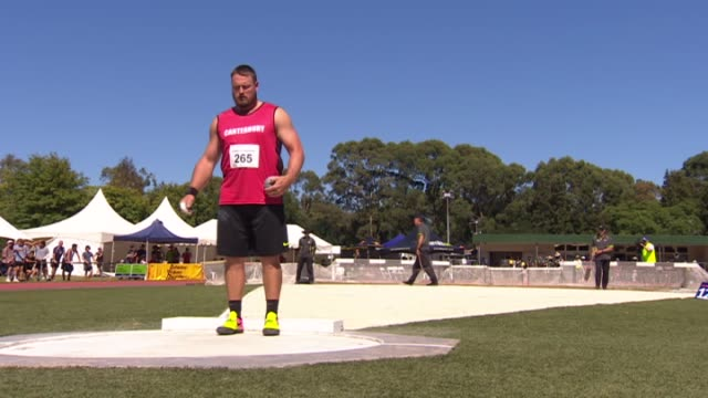 """tomas """"tom"""" walsh competing in the new zealand track and field championships - shot put stock videos & royalty-free footage"""