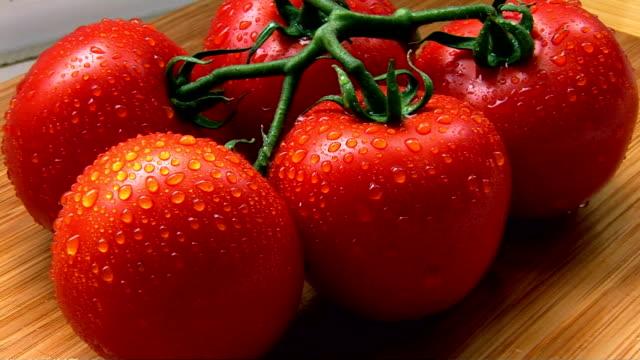 tomatoes - 少数の物点の映像素材/bロール