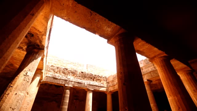stockvideo's en b-roll-footage met tombs of the kings in paphos, cyprus - repubiek cyprus