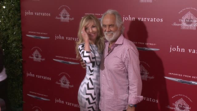 stockvideo's en b-roll-footage met tommy chong and shelby chong at the the john varvatos 13th annual stuart house benefit hosted by chrysler at john varvatos on april 17 2016 in los... - chrysler